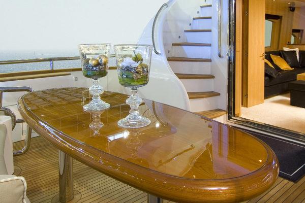 yacht-elegance-l-brand-2