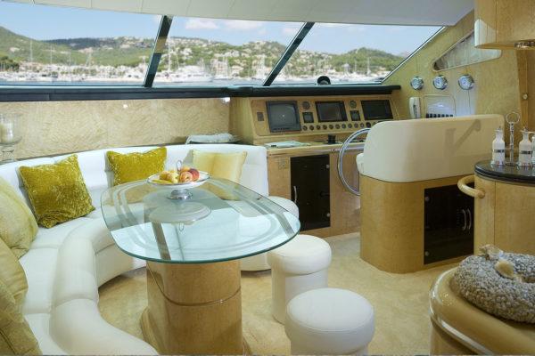 slide-jab-anstoetz-group-reference-yacht-elegance-l-brand-3