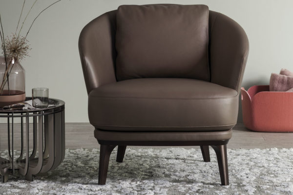 slide-bw-armchair-amy-l-03